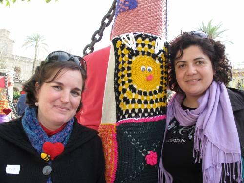 Encarni y Abejitas en el Urban Knitting Sevilla. Febreo 2013