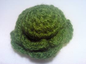 Broche flor de crochet