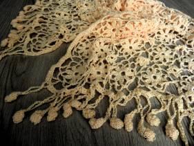 Amity shawl