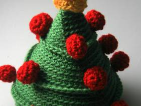 Christmas tree amigurumi by abejitasorg