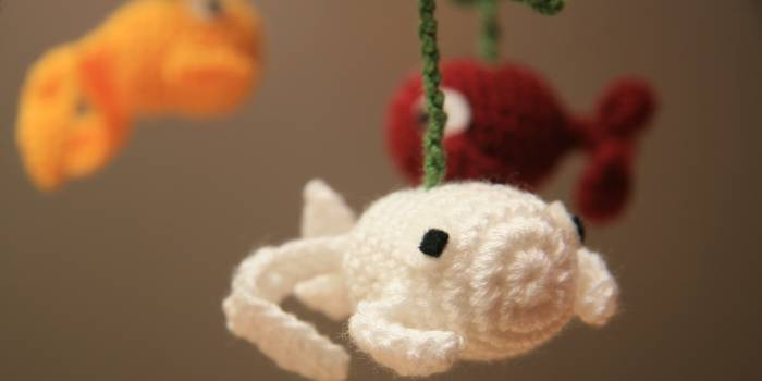 Pattern amigurumi fish mobile