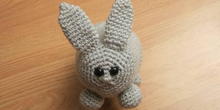 Conejo y chistera amigurumis